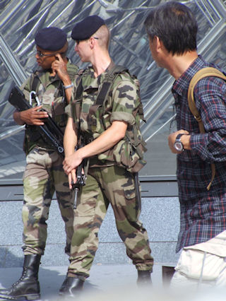 Photo of French internal security forces by Prof. Erickson - Paris, France, July 2006.